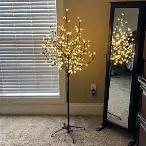 Other - Beautiful tree lamp